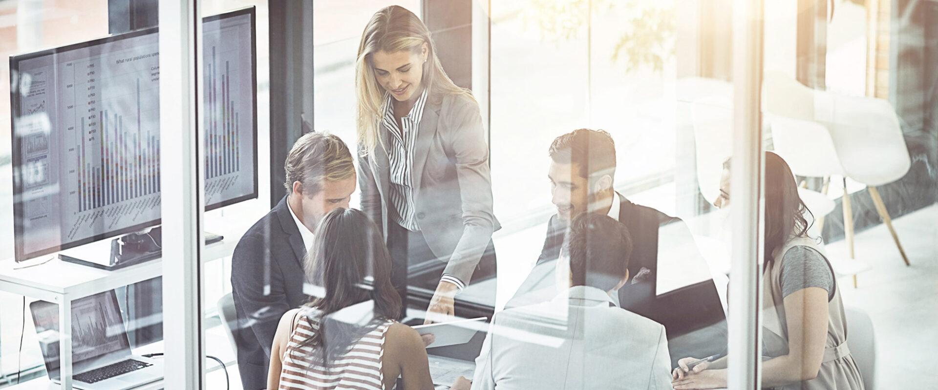 Riunione in ufficio - Cittamoderna investimenti immobiliari