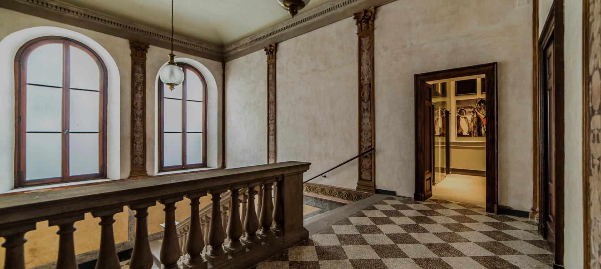 Foto di un elegante palazzo d'epoca - Cittamoderna