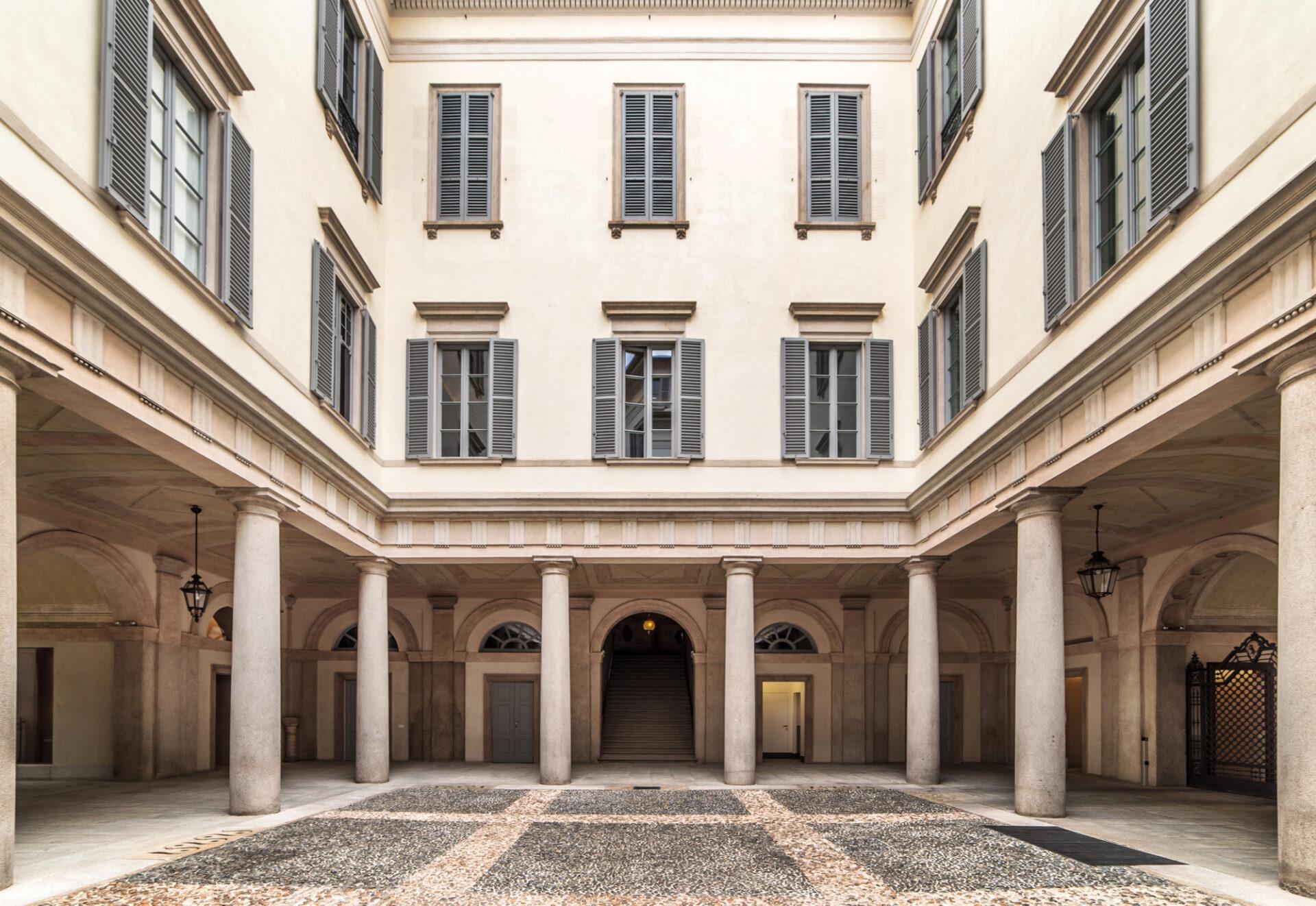 Cusani 5 Milano - Cortile - Immobili Cittamoderna
