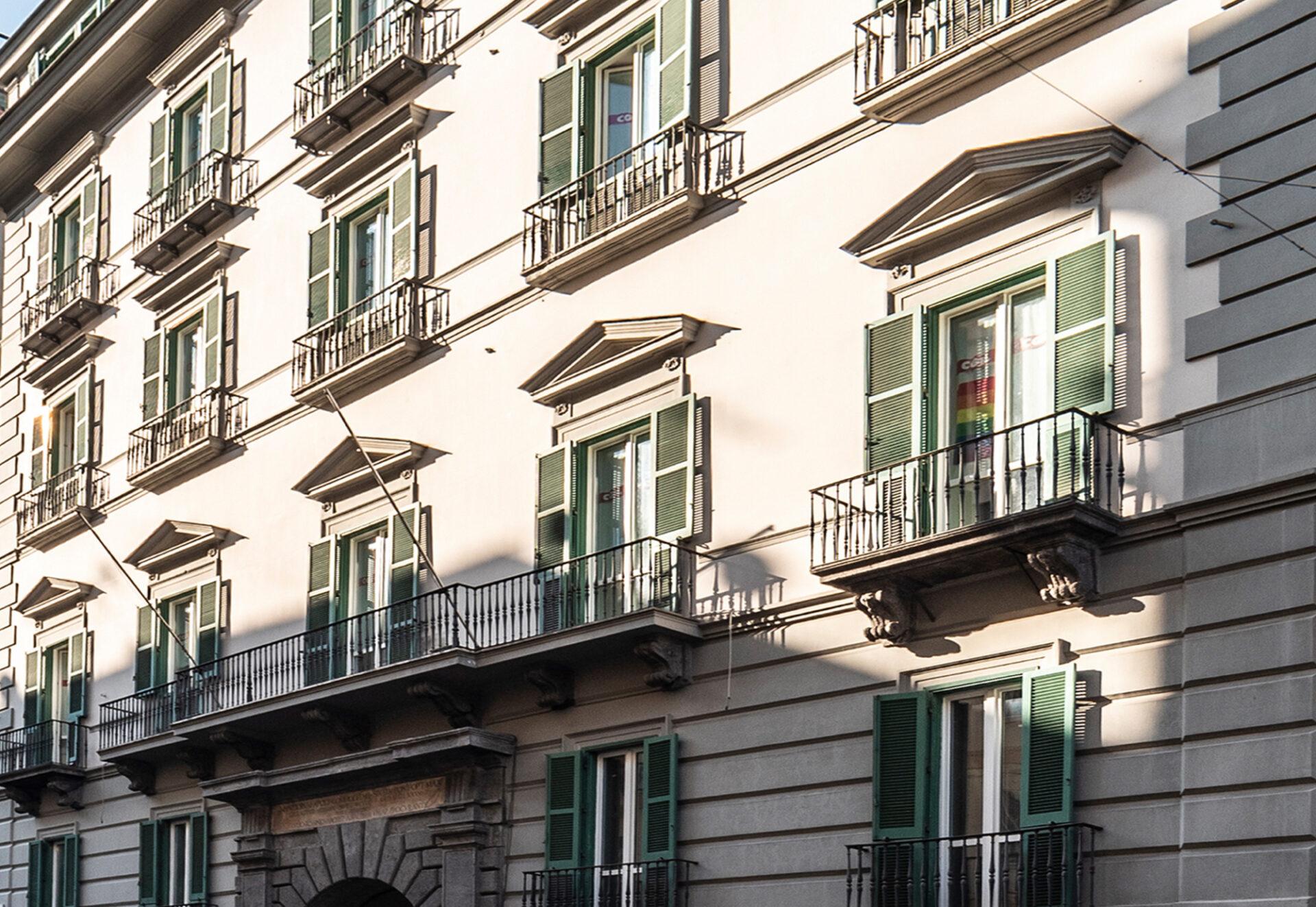 Toledo Napoli - Facciata palazzo - Immobili Cittamoderna